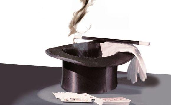 magic-smoking-top-hat-580x358